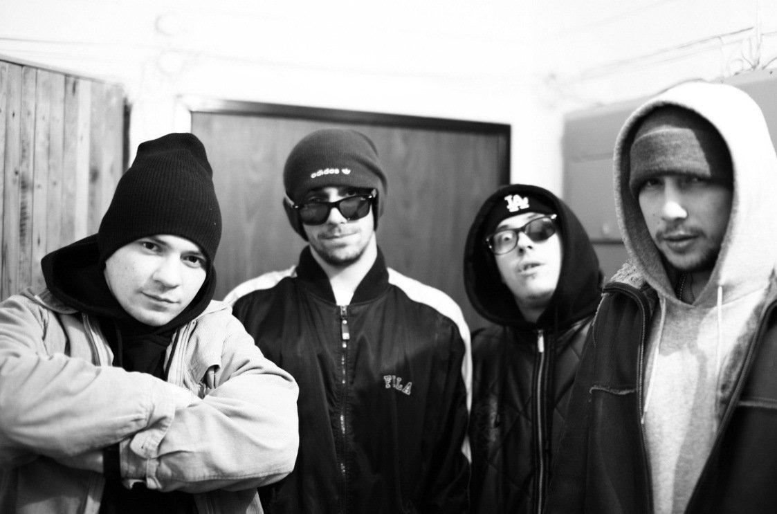 Баста говорит с рэп-бандой «Триагрутрика»: «Есть деньги, нет денег — мы все равно будем читать рэп».