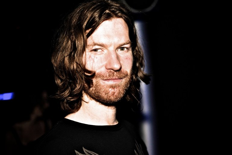 "Aphex Twin ""minipops 67 [120.2][source field mix]"""