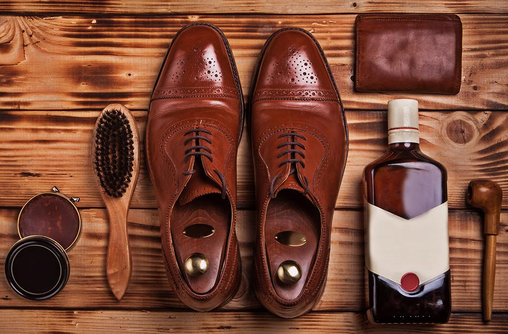 чистка обуви кремом