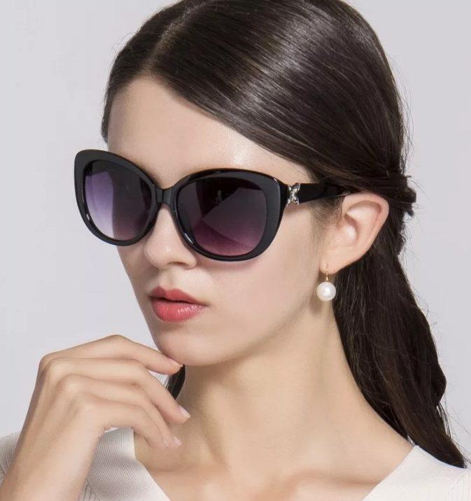 узкое лицо и очки