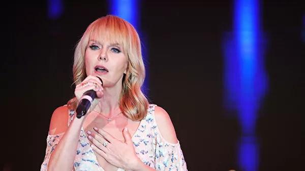 Валерия на концерте в Воронеже: это модный провал?