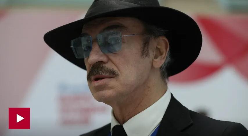 Д'артаньян без шляпы и очков, такого Боярского вы ещё не видели
