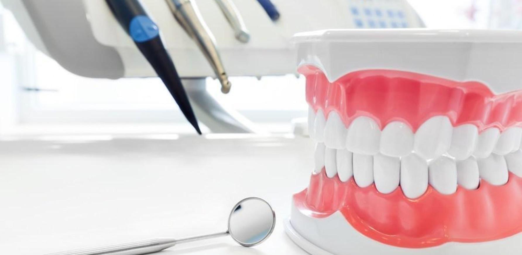 Протезирование или имплантация зубов: что выбрать