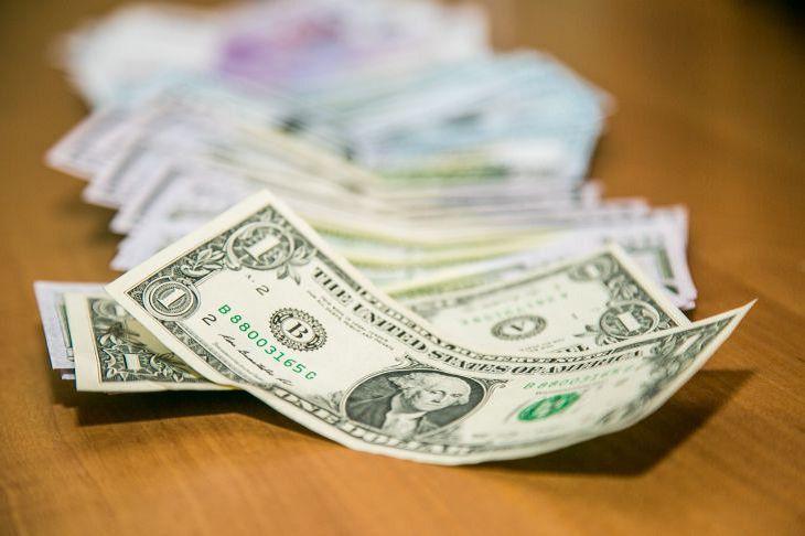 Не рабочая неделя в России: пенсионеры и льготники досрочно получат пенсии и выплаты