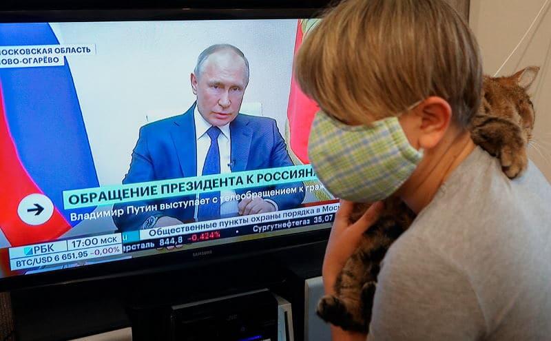 В России объявлен нерабочий месяц, самоизоляция продлена до мая