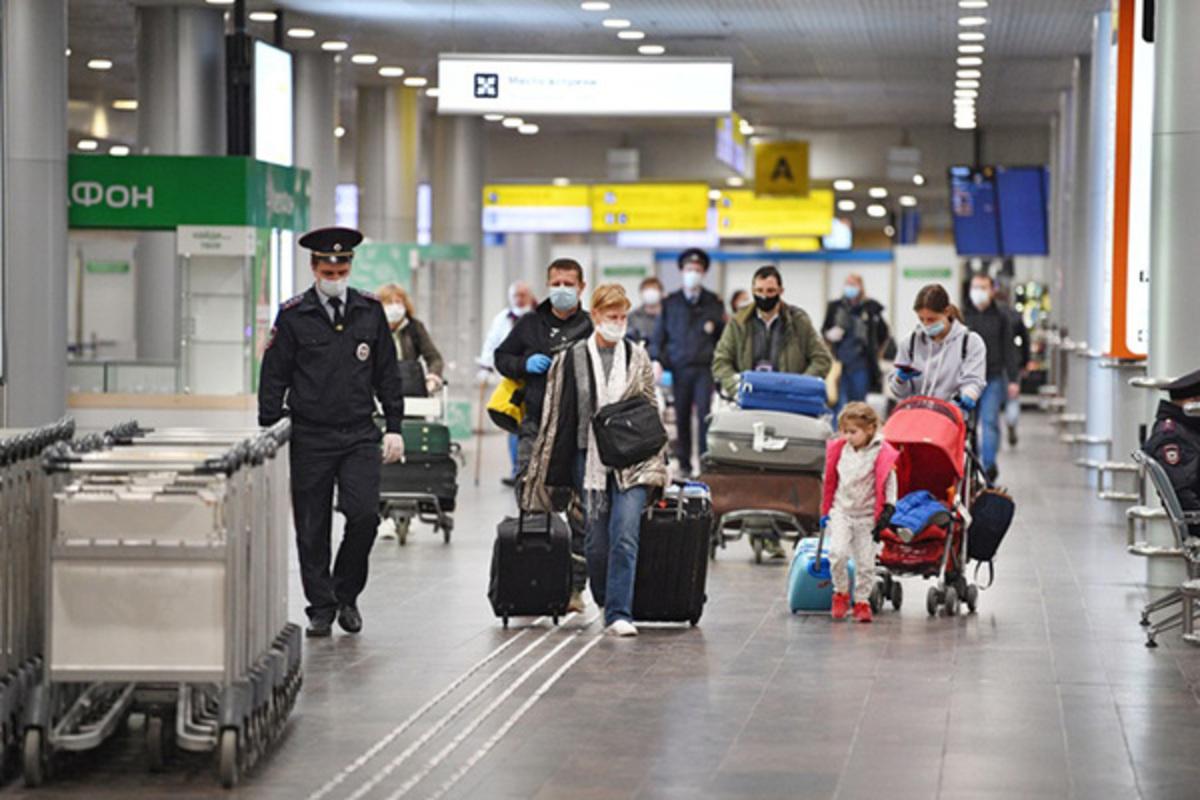 Спикер Совфеда Матвиенко призвала не планировать зарубежные поездки на этот год