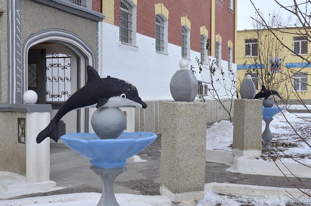 История тюрьмы Черный дельфин