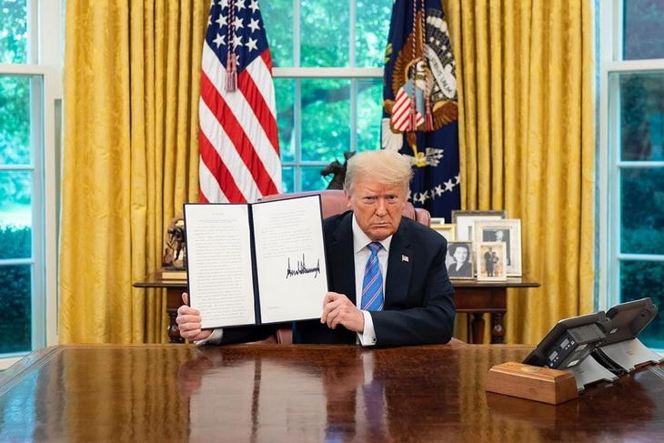 Трамп не станет закрывать границы США из-за пандемии