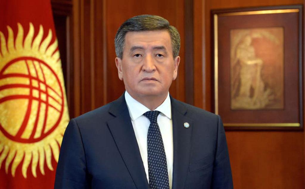 Президент Кыргызстана вводит в стране ЧП и войска в столицу
