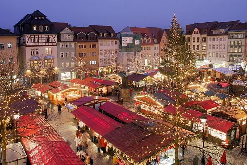 Меркель не исключает ограничений во время Рождественских праздников