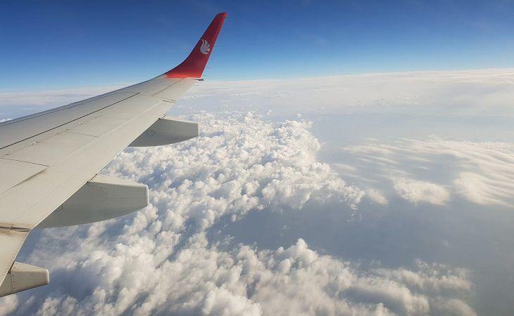В США пассажиры при взлёте выпрыгнули из самолёта, разблокировав дверь