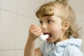 Спасительный ингалятор. Как помочь ребенку во время приступа астмы