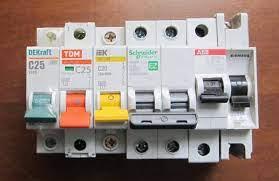 Подборка электрических автоматов и розеток