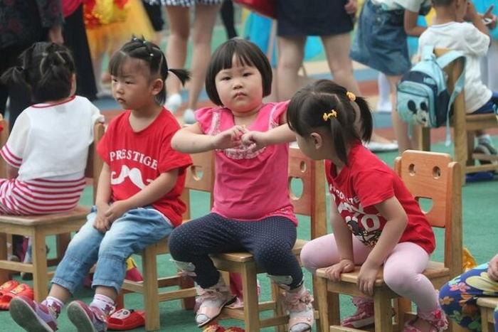 В Китае впервые за 40 лет разрешили иметь семье трёх детей