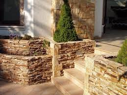 Песчаник: древнейший строительный материал