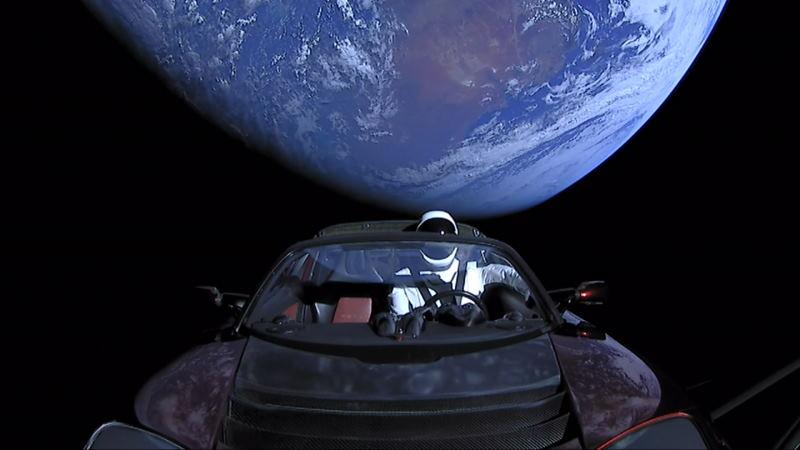 Похоже, SpaceX создали космический туалет под прозрачным куполом корабля