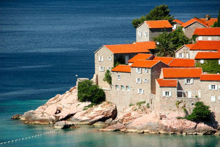 Пандемия не отступает Черногория ужесточила въезд для туристов