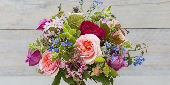 Цветы – универсальный подарок на любой случай жизни